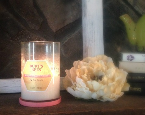 Burt's Bees Ruby Grapefruit Soy Candle